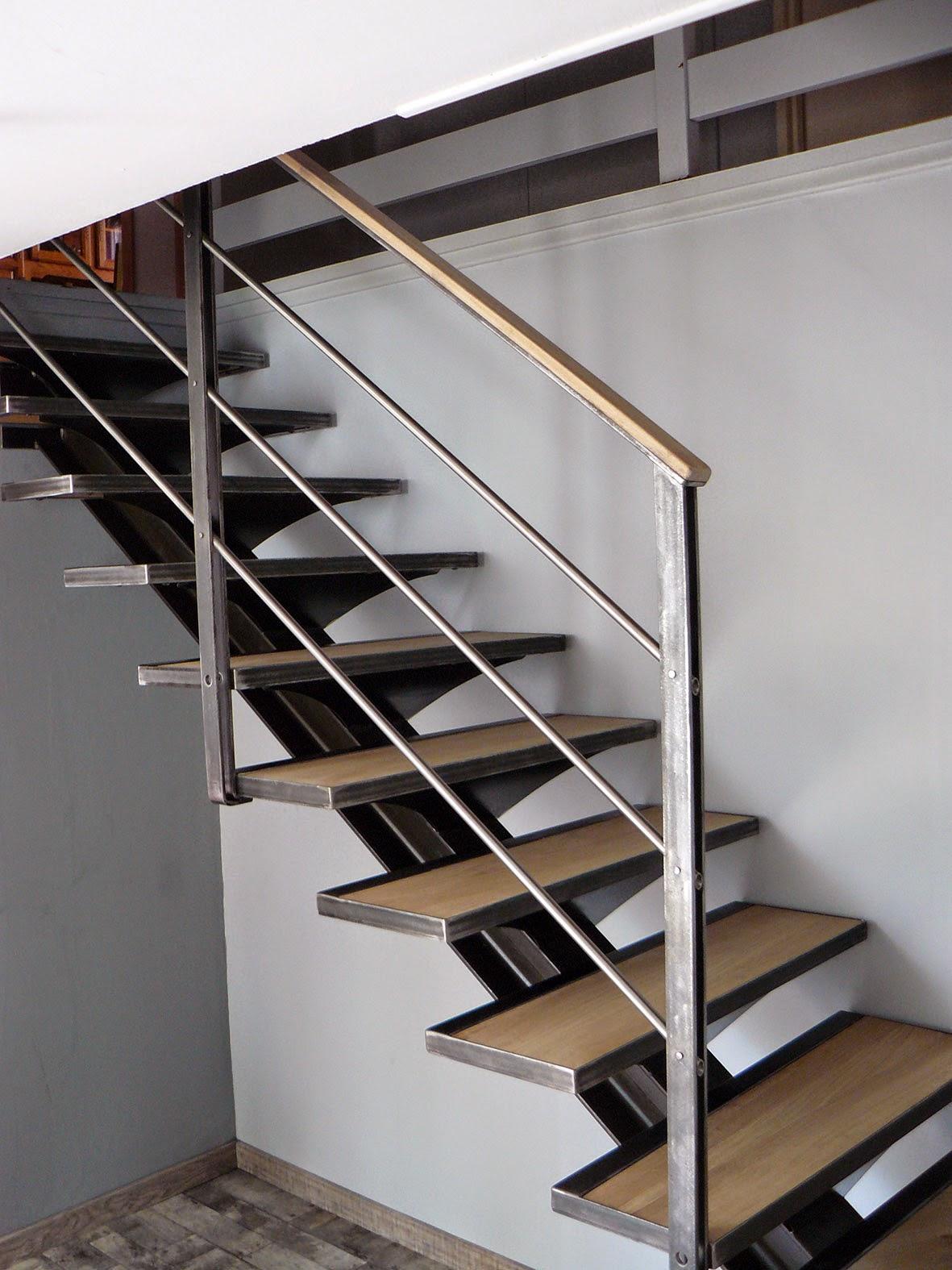 Ferronnerie m tallerie serrurerie 79 deux s vres l 39 art du fer play escalier 1 4 tournant 4 - Acier s ...