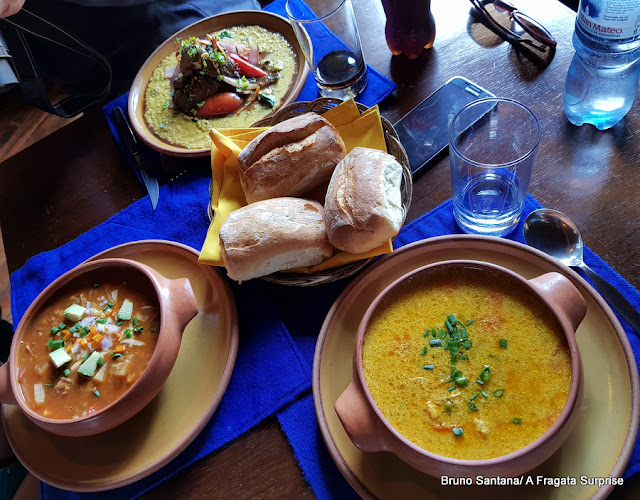 Cazuelas (ensopados) do restaurante Inkazuela, em Cusco, Peru