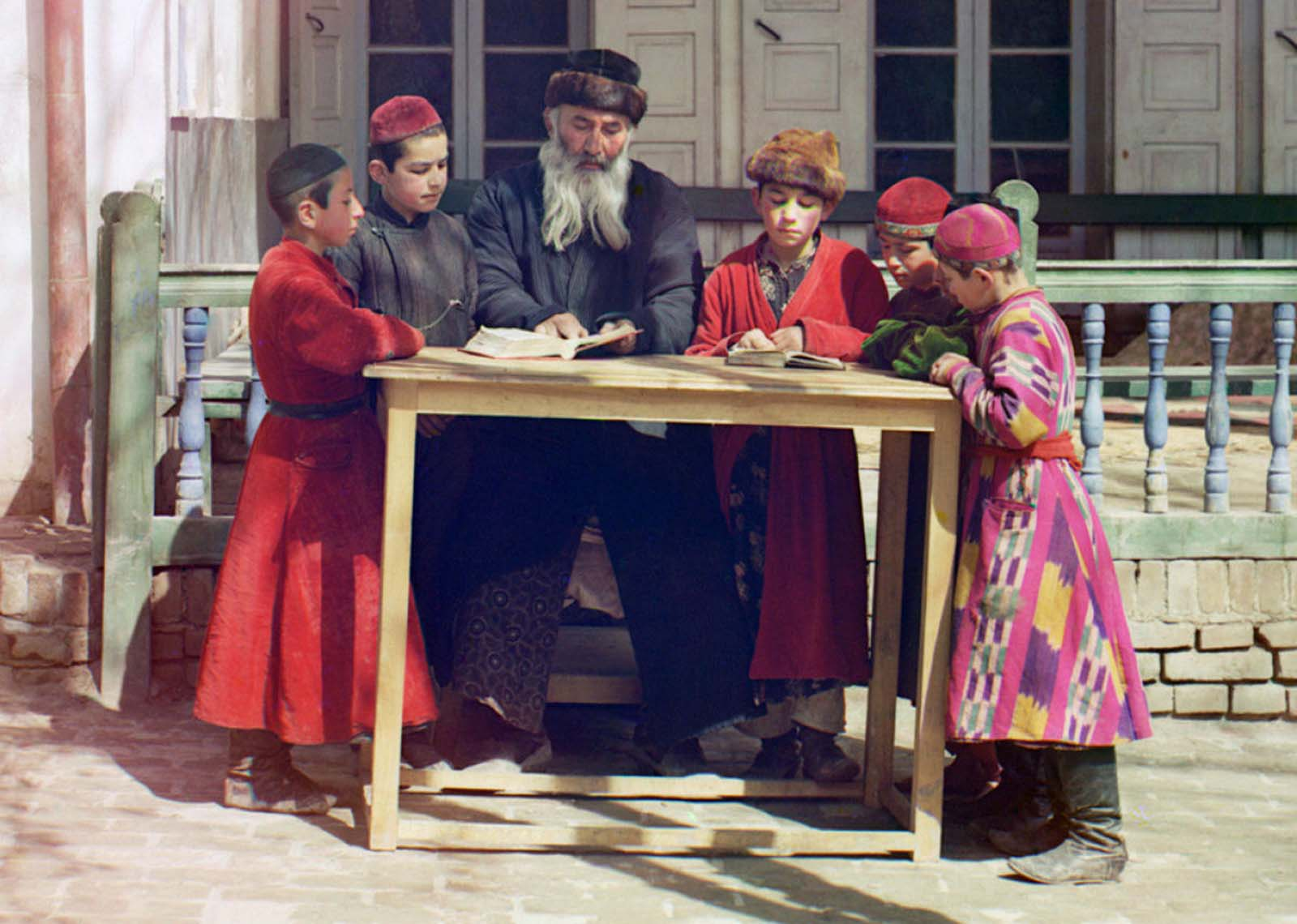 A group of Jewish children with a teacher in Samarkand, (in modern Uzbekistan), ca. 1910.