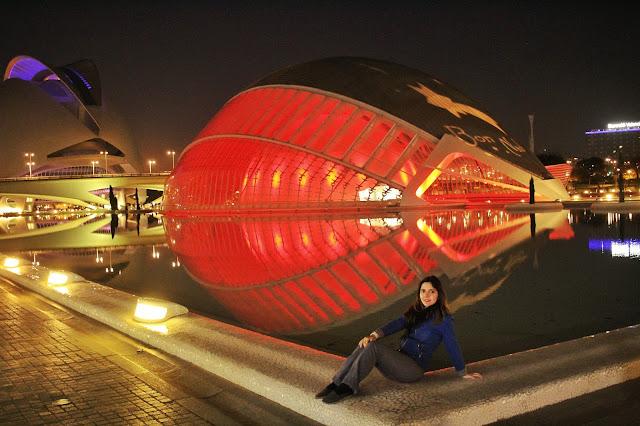O L'Hemisféric na Ciudad de las Artes y las Ciencias visto de durante a noite. Belíssimo!