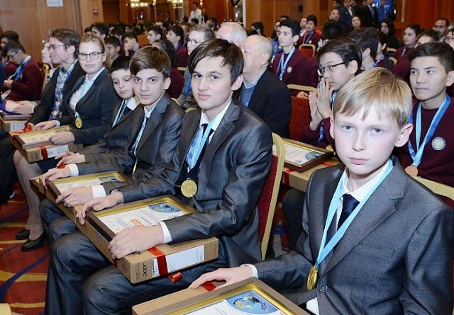 Российские школьники завоевали четыре золотых медали на международной естественнонаучной олимпиаде в Баку