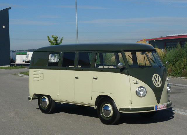 Volkswagen T1 11 window bus