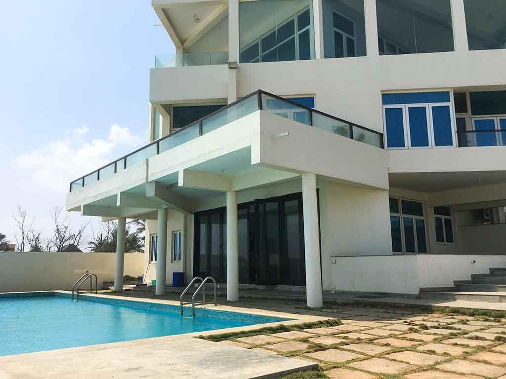 luxury infinity beach house ecr