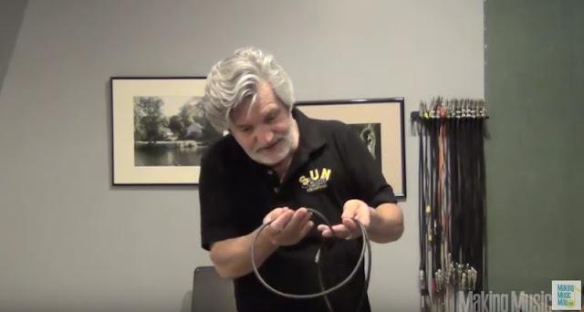 Roadie Wrap Technique - วิธีม้วนสายเคเบิ้ลยาวๆ ให้เป็นระเบียบและไม่พันกันเมื่อนำมาใช้งาน