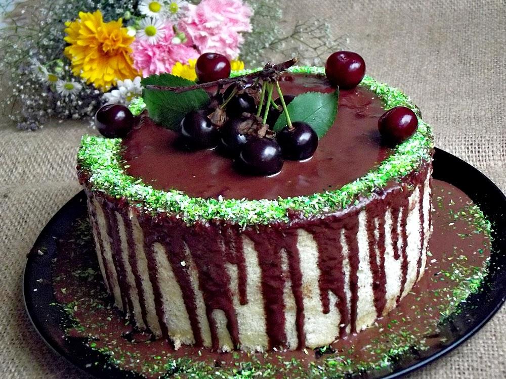 http://www.caietulcuretete.com/2013/06/tort-spirala-cu-ciocolata-si-visine.html