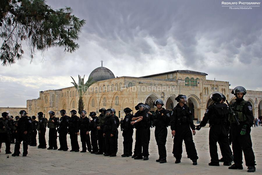 Tentara Israel kepung AlAqsa