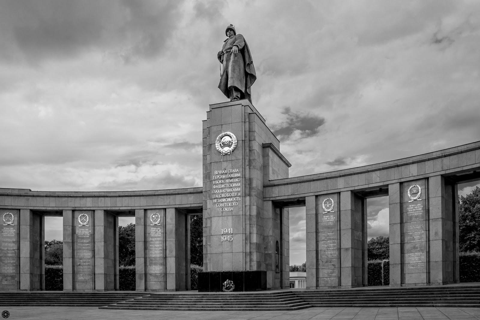 Subyugación del fascismo, 2014 :: Canon EOS5D MkIII | ISO100 | Canon24-105 @24mm | f/9.0 | 1/125s
