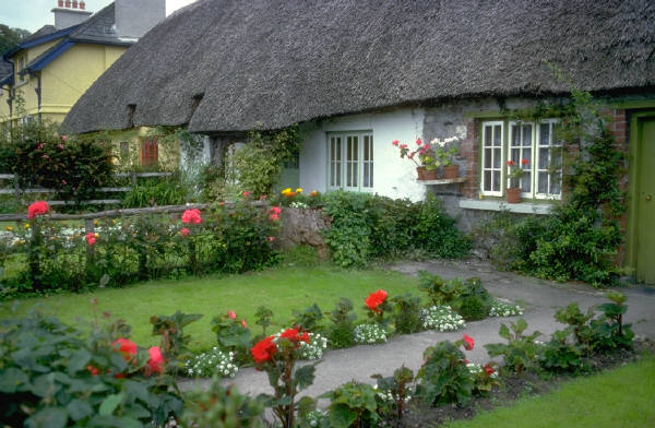 Home Decorations: Perfect English Garden Landscape Design