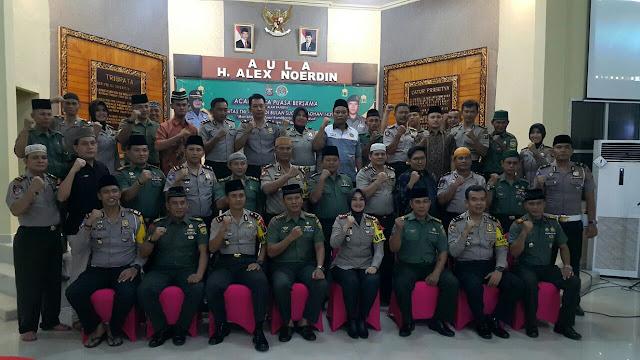 Polri dan TNI Di Musi Banyuasin Buka Puasa Bersama
