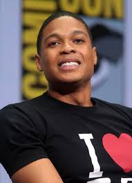 Ray Fisher Height - How Tall