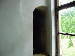 Замок Сент-Міклош. Подвійні стіни і потаємні ходи