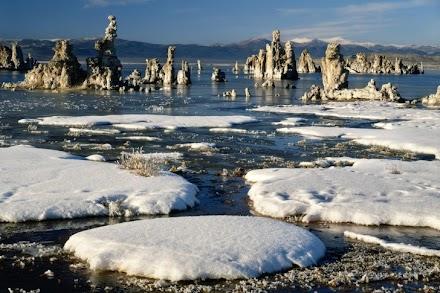 Η Παράξενη Λίμνη Mono Lake στην Καλιφόρνια