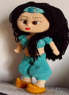 https://olgaamigurumis.files.wordpress.com/2015/01/jasmine.pdf