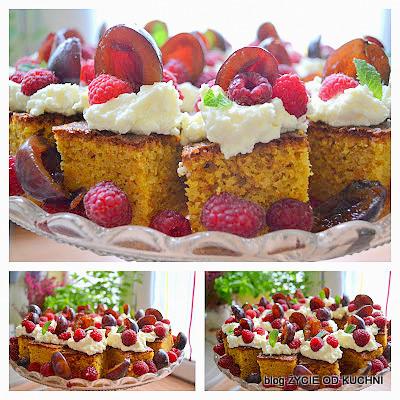 marchewkowe ciasto, marchewka, maliny, sliwki,