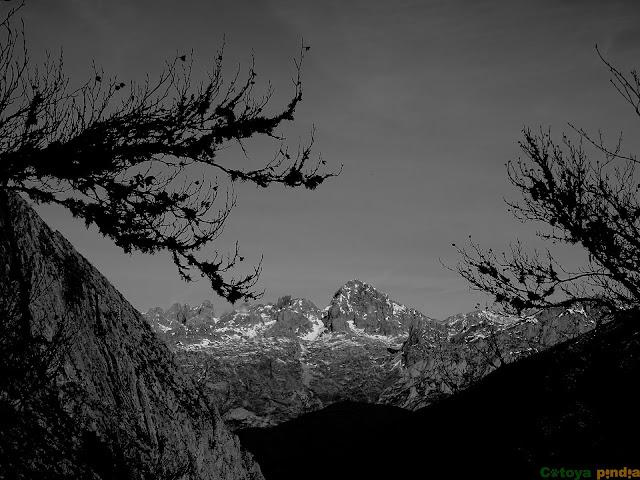 vistas hacia Peña Santa en Picos de Europa