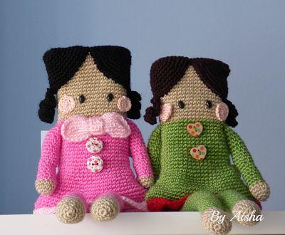 muñeca amigurumi cuadrada con patrón gratis