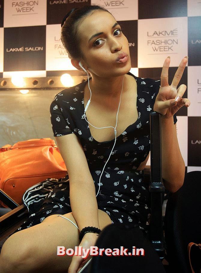 Shreya Chaudhary, Hot Models Backstage Pics - Lakme India Fashion Week