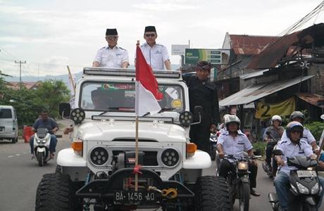 Ninik Mamak Kota Padang Serahkan Emzalmi-Desri Ayunda ke Partai Politik