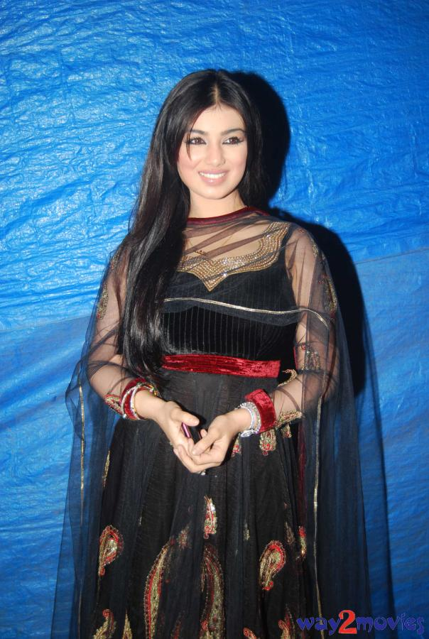 ayesha takia latest naked pic