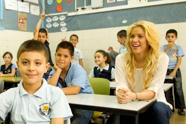Shakira prefiere invertir en la educación que ganar un Grammy