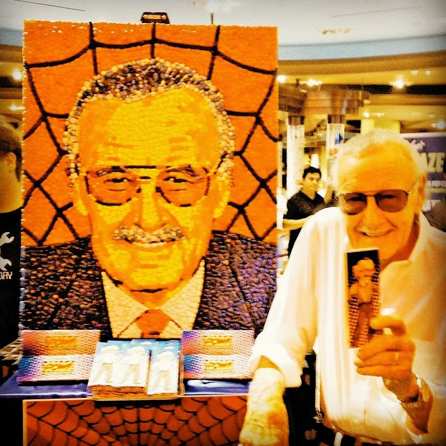 14-Stan-Lee-Jason-Mecier-Paintings-or-Sculptures-in-Portrait-Collage-www-designstack-co