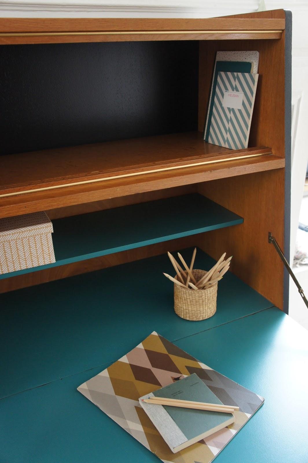 atelier petit toit le secr taire pieds compas de sonia. Black Bedroom Furniture Sets. Home Design Ideas