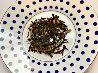 top 3 loose leaf teas-Blueberry Lemon Green Tea thehollypaige.blogspot.com