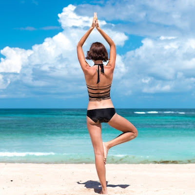Ladies butt bad instagram yoga pose