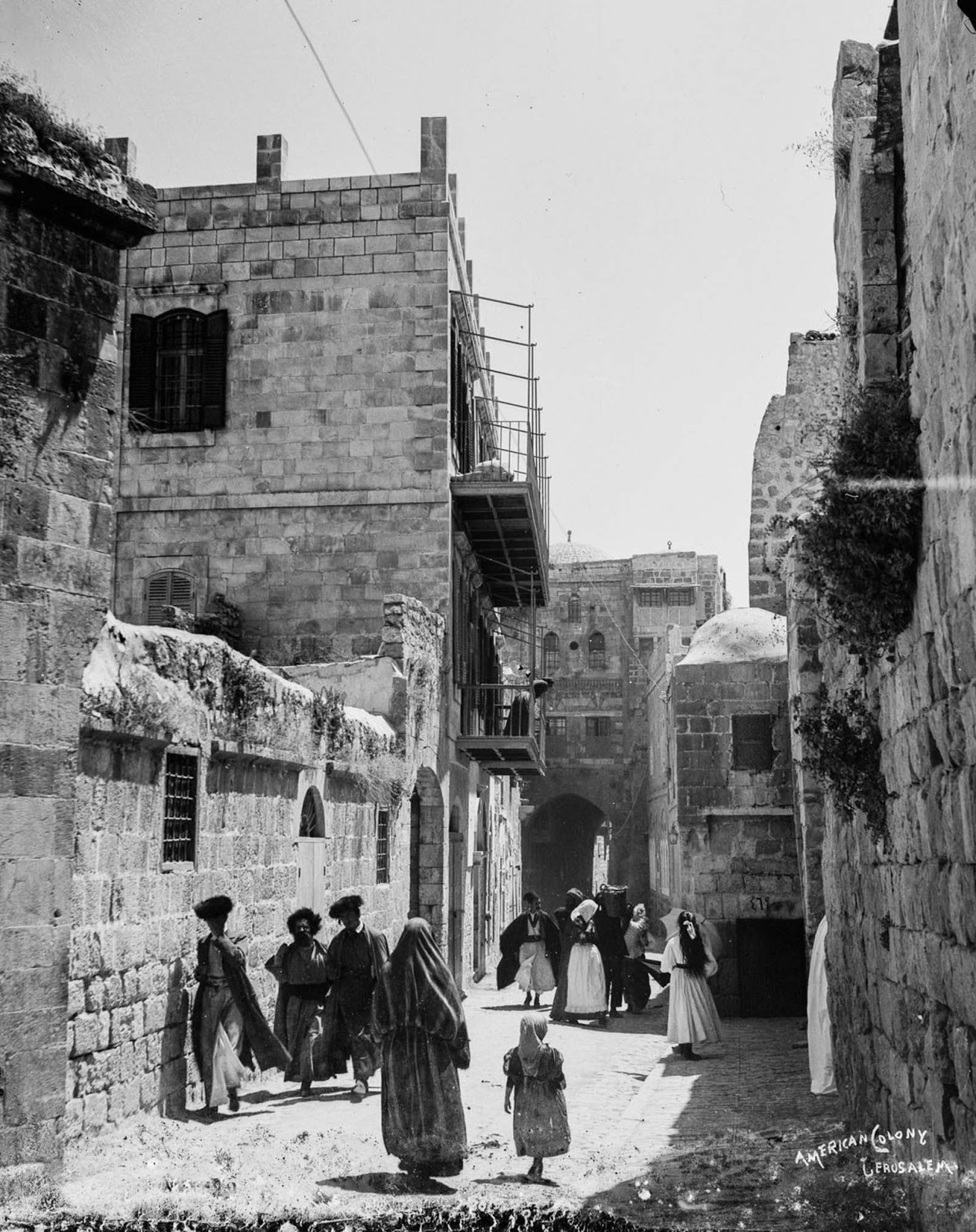 Jews and Muslims of Jerusalem. c. 1900.