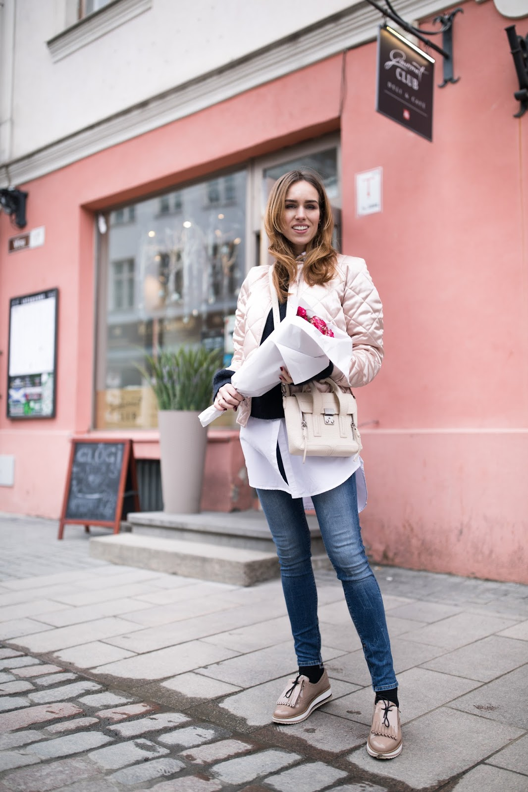 casual spring outfit street style
