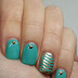 Twinsie Tuesday: Studs and Tiffany Waves on Gel Polish