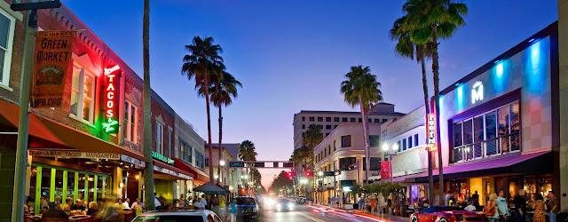 Vida noturna emWest Palm Beach na Flórida