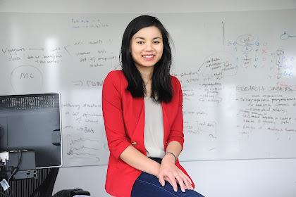 Jean yang Sang Asisten Profesor Yang jago Programmer