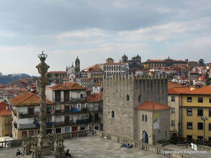 Porto - widok na plac katedralny