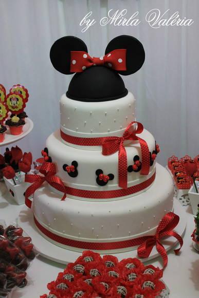 Bolo fake Minnie Mouse branco