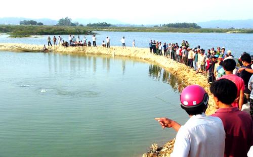 Tập bơi ở đập, 3 học sinh chết đuối thương tâm
