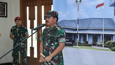 Panglima TNI Berangkatkan Prajurit TNI ke Donggala