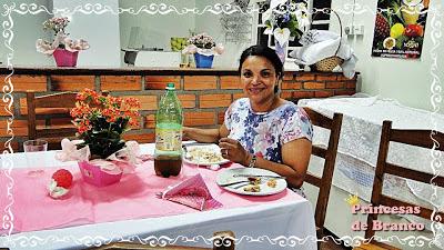 como decorar mesa dos convidados