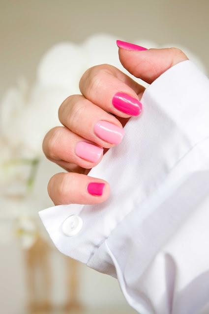 paznokcie inspiracje odważny kolor różu