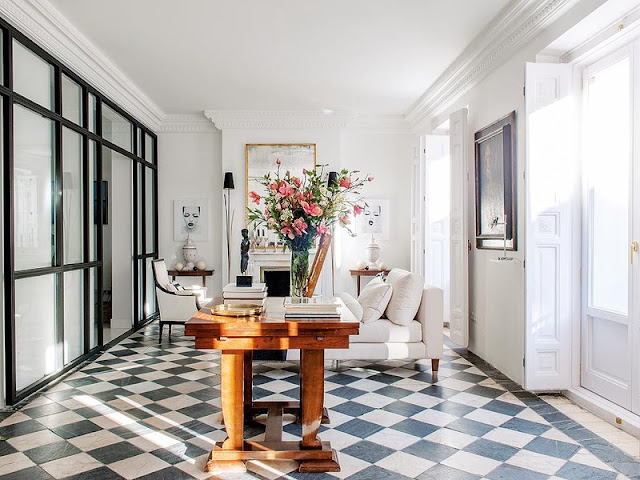 Lovely apartment in a Historic Building in Madrid