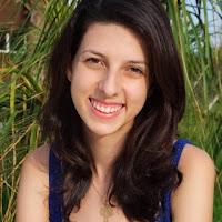 Mais sobre a escritora no link http://leiturasplus.blogspot.com.br/2015/12/parceria-escritora-marcela-de-luca.html