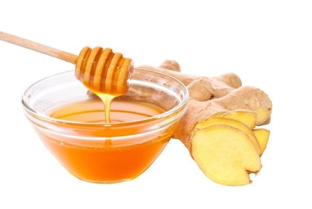 Gừng và mật ong giúp xóa nếp nhăn tự nhiên và chất làm ướt giúp làn da vùng mắt mịn màng, giữ ẩm