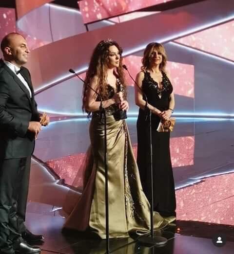 ستيفاني صليبا تحصد جائزة كارما