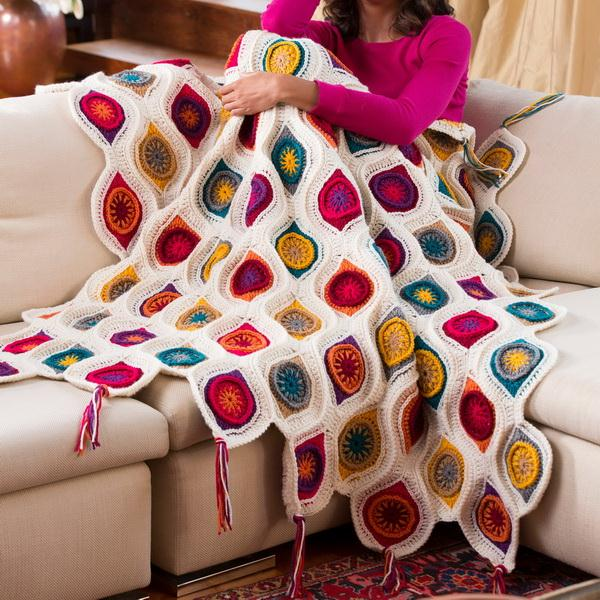 Crochet Blanket / Throw Free Pattern, Retro Ornament Blanket using RED HEART YARN