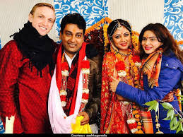 Aashka-Goradia-Brent-kavita-kaushik-wedding
