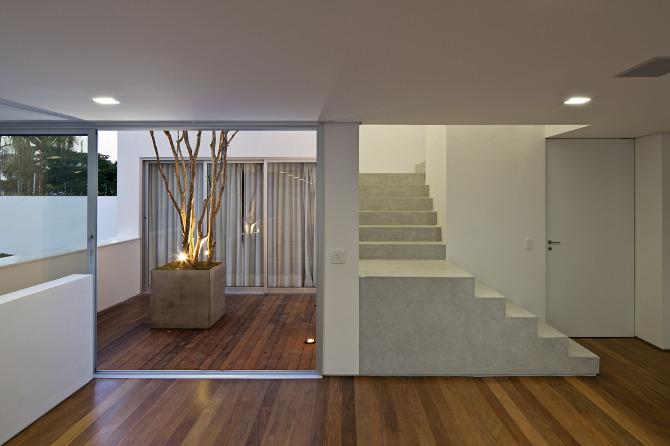 Casa de los patios de ar arquitectos arquitectura y - Fotos patios interiores ...