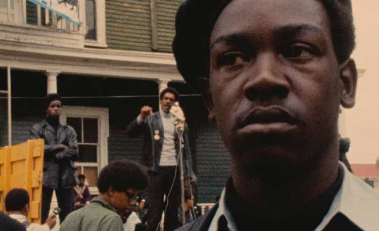 A striking image from the 1968 documentary Black Panthers from Agnès Varda.
