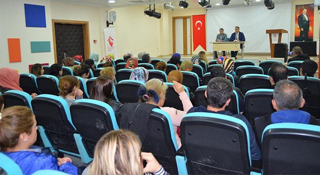 Diyarbakır'da Çocuk Evlerinde görevli personelle bilgilendirme toplantısı yapıldı