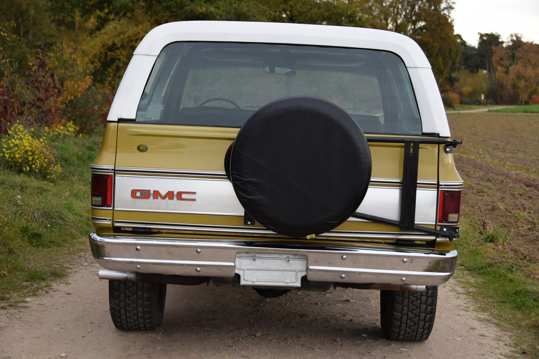 gmc jimmy blazer convertible 4x4 v8 automatic 1975 1974 sales brochure gmc jimmy [ 1440 x 960 Pixel ]