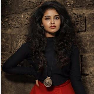 anupama parameswaran latest in black and red skirt Navel Queens
